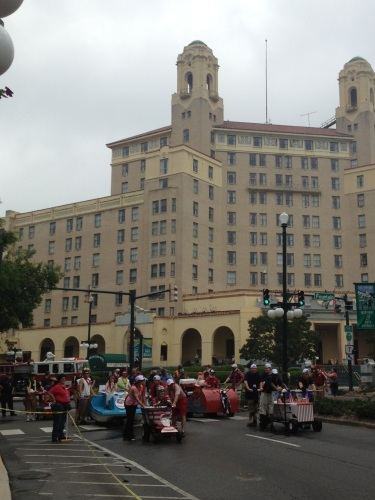 Teams assembling in front of the historic Arlington Hotel.